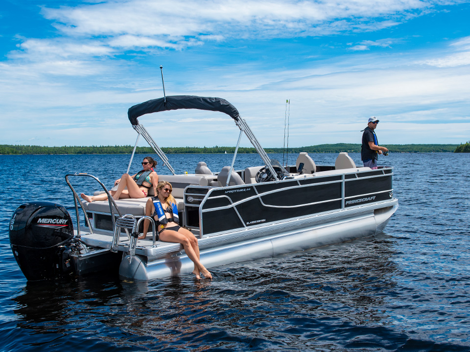 Aluminum Pontoon Boats for Sale – Princecraft USA
